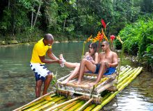 plantation-raft-couple